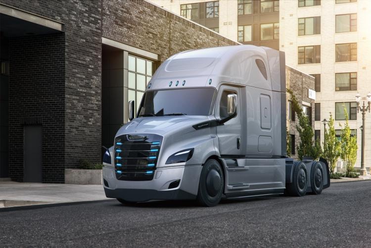 """Daimler представила два электрических грузовика — Freightliner eCascadia и eM2"""""""