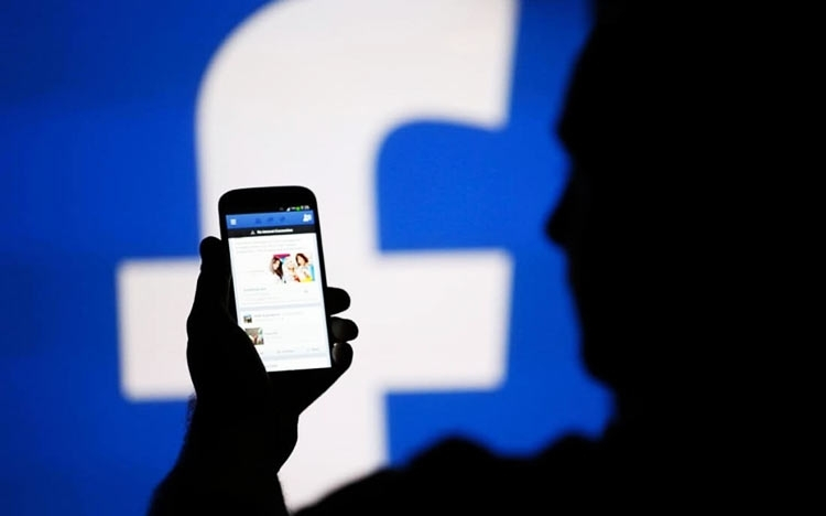 """Из-за бага Facebook публикации 14 млн пользователей были видны всем желающим"""""""