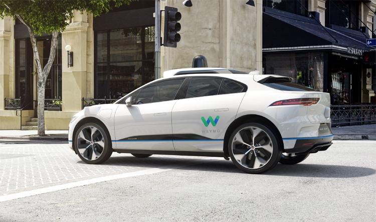 "Waymo планирует запуск сервиса роботакси в Европе"""