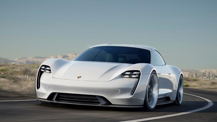 "Porsche Taycan: электрокар Mission E обрёл официальное имя"""