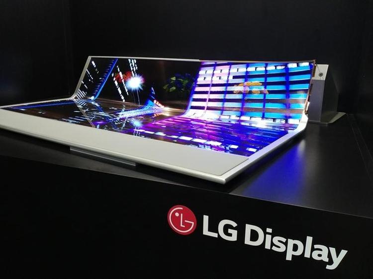 Экспериментальная 77-дюймовая панель LG на основе органических светодиодов (OLED)