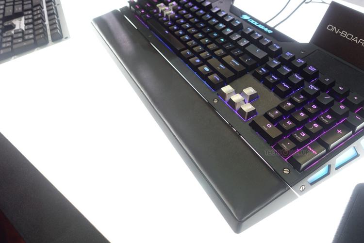 """В Cougar создан прототип клавиатуры со встроенными динамиками"""""""
