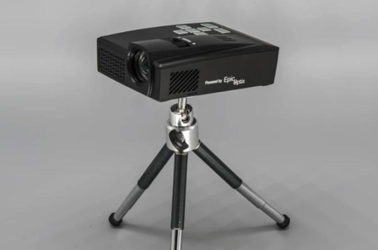 """Портативный проектор Epic Event формирует изображение размером до 150 дюймов"""""""