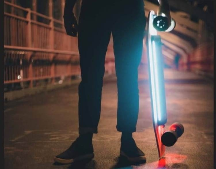 Xiaomi представила электроскейтборд Acton Smart Electric Skateboard""