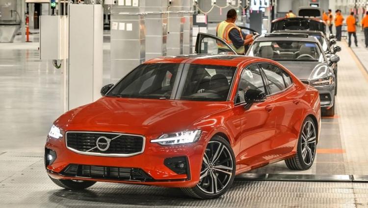 """Volvo продемонстрировала первый автомобиль, собранный в США"""""""