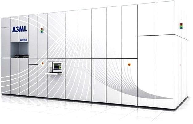 Первый коммерческий сканер ASML для EUV-литографии (NXE:3300B)