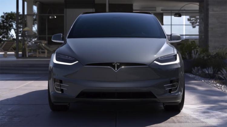 """В автомобилях Tesla появится функция дистанционного ограничения скорости"""""""