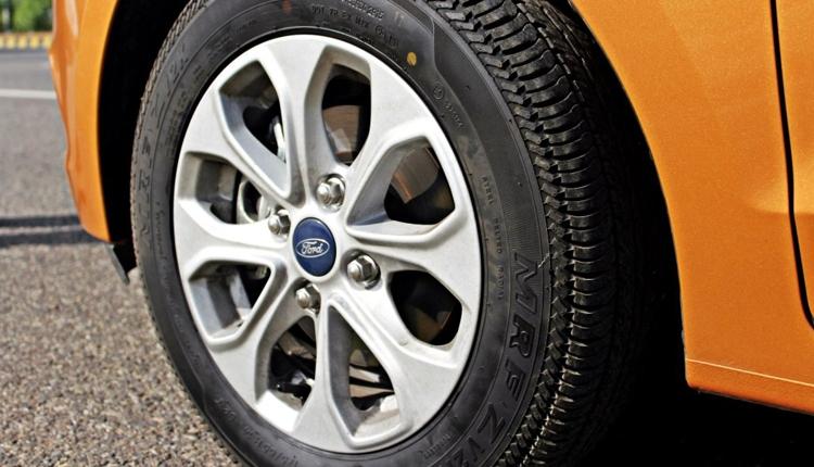 """Ford оборудует новые автомобили «умной» подвеской с защитой от выбоин"""""""