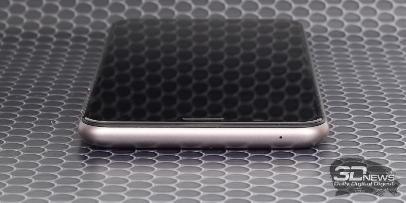 ASUS Zenfone Max Pro (M1), верхняя грань: дополнительный микрофон
