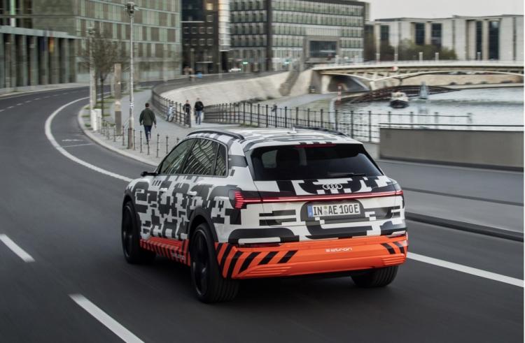 """Audi отложила запуск электрического кроссовера e-tron из-за ареста исполнительного директора"""""""