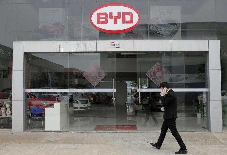 """BYD строит крупнейший в мире завод по выпуску автомобильных батарей"""""""