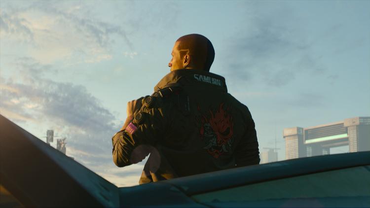 «Самурай» (Samurai) на куртке героя — логотип некогда легендарной рок-группы, музыка которой отражала протестные настроения.