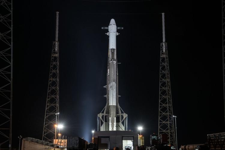 "SpaceX успешно запустила на орбиту ракету Falcon 9 с «грузовиком» Dragon, уже запускавшиеся ранее"""