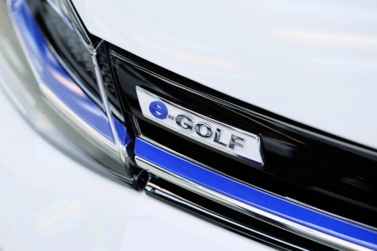"""В следующем году Volkswagen запустит в Германии сервис каршеринга WE"""""""