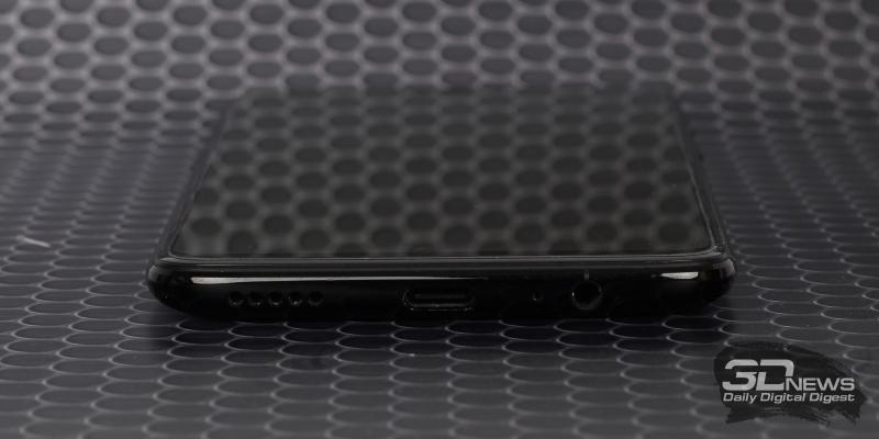 OnePlus 6, нижняя грань: основной динамик, порт USB Type-C, разговорный микрофон и мини-джек для гарнитуры/наушников