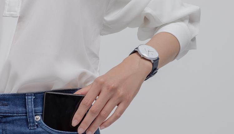 Классические «умные» часы Xiaomi Mijia Quartz Watch оценили в $50