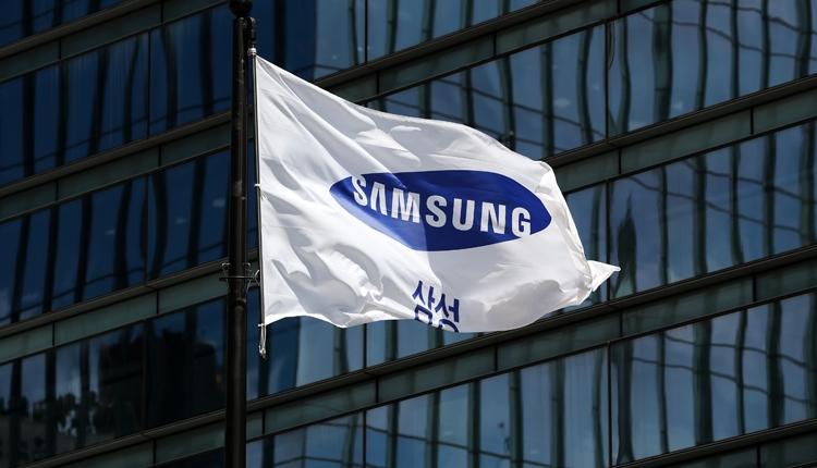 Смартфоны Samsung серии Galaxy A обзаведутся экранным сканером отпечатков пальцев