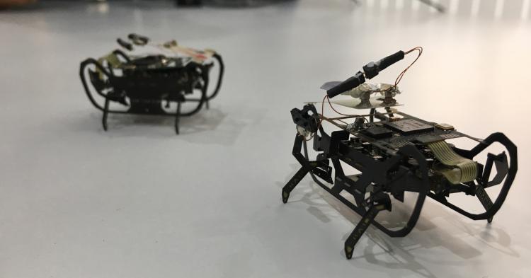 """Rolls-Royce разрабатывает крошечных роботов-тараканов для осмотра двигателей самолётов"""""""
