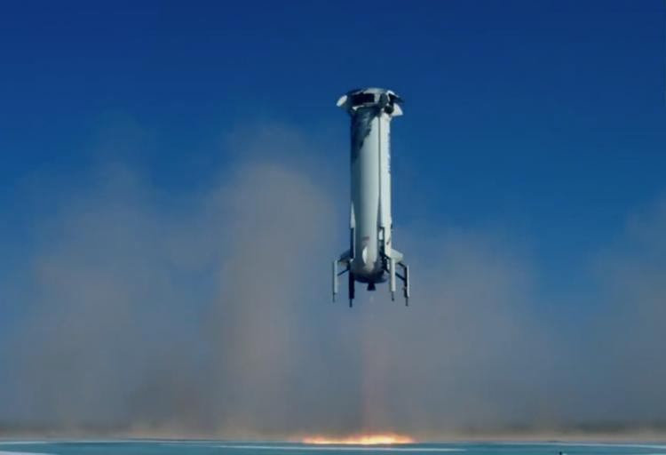 Blue Origin успешно испытала ракету и аварийное отделение капсулы