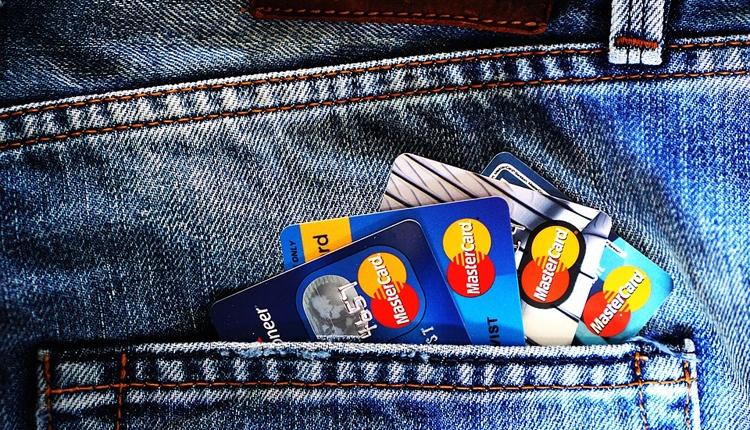 """MasterCard опробует в России систему оплаты посредством селфи"""""""