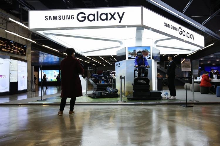 Samsung теряет прибыль