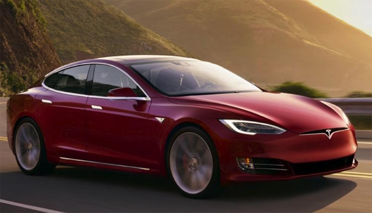 """В электромобилях Tesla появятся лучшие игры Atari"""""""