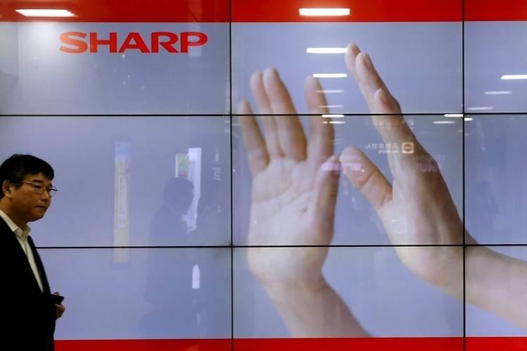"""Первые смартфоны Sharp с экранами OLED выйдут в третьем квартале"""""""