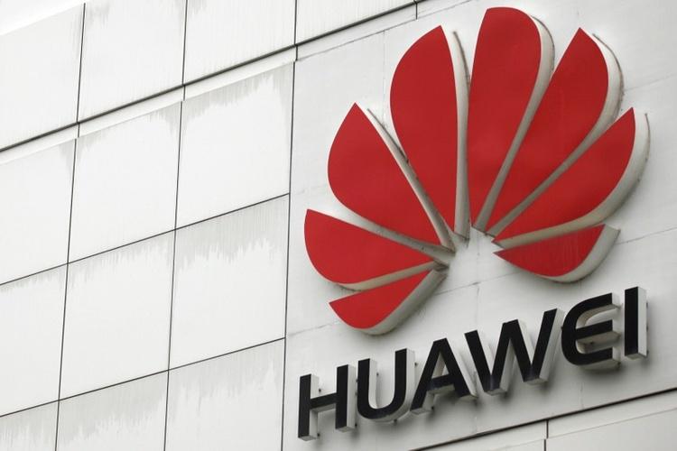 """Huawei объявила о планах выйти на первое место по поставкам смартфонов"""""""