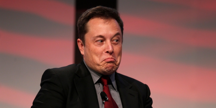"""Илон Маск всё ещё ищет средства на приватизацию Tesla"""""""