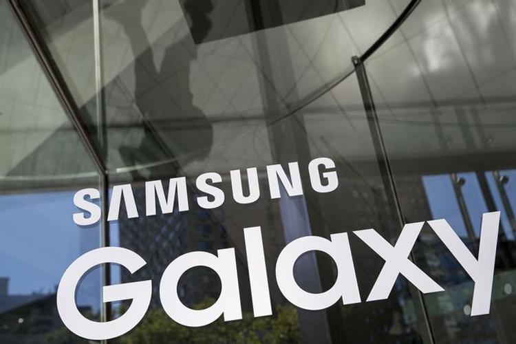 """Раскрыта конфигурация тройной камеры смартфона Samsung Galaxy S10+"""""""