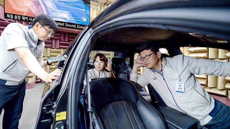 Киа представила аудиосистему, позволяющую любому пассажиру слушать свою музыку