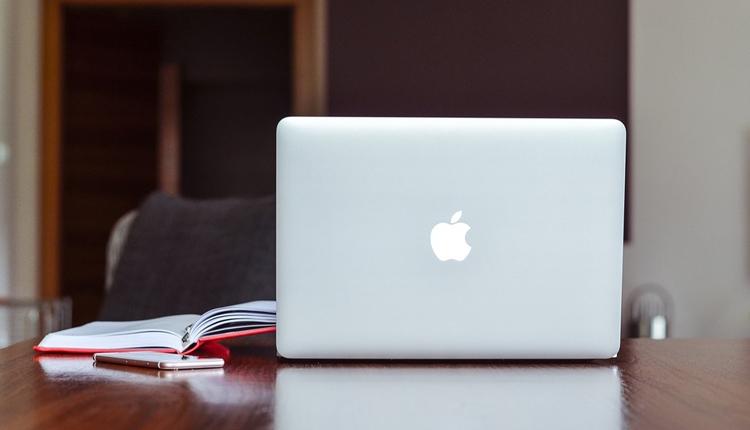 """Apple выпустит ноутбуки MacBook начального уровня в сентябре"""""""
