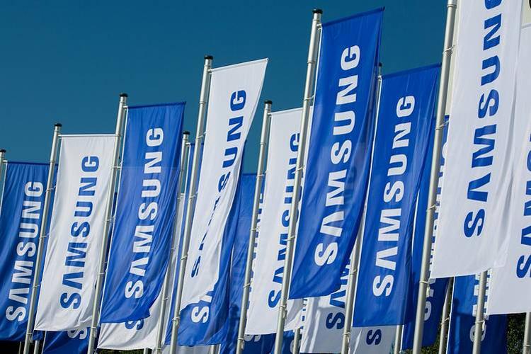 """В Samsung сформирована группа разработки гибкого смартфона"""""""
