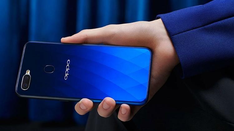Представлен селфифон Oppo R17 сбыстрой зарядкой VOOC Flash