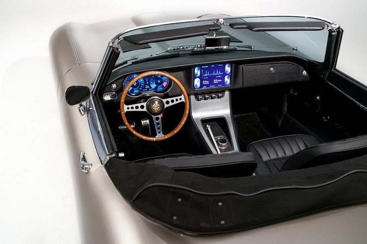 """Спорткар Jaguar E-type переродится в виде электромобиля"""""""