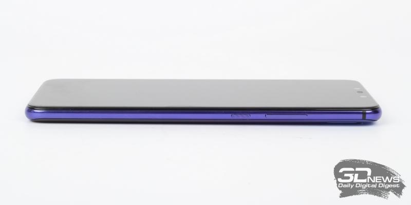 Huawei nova 3, правая грань: клавиши включения и регулировки громкости/спуска затвора камеры