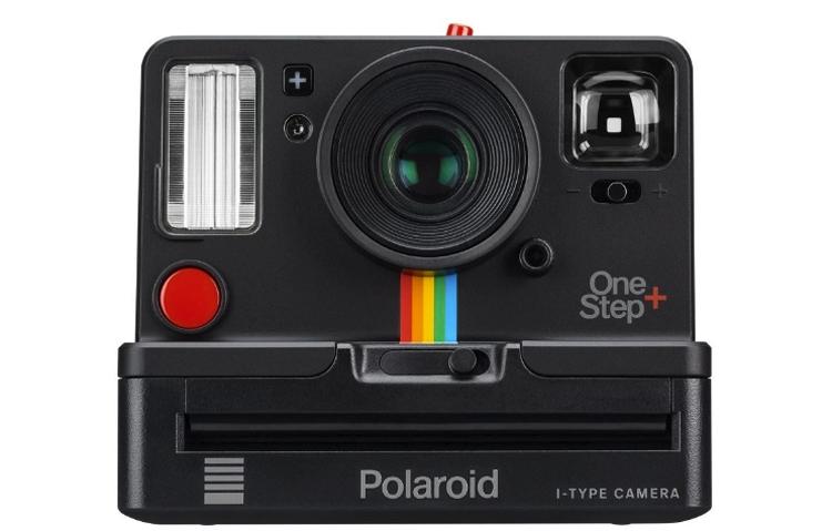 "Polaroid OneStep+: аналоговая камера моментальной печати"""