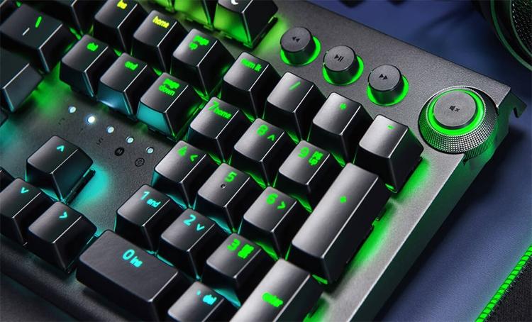 """Razer BlackWidow Elite: механическая клавиатура с подсветкой Chroma"""""""