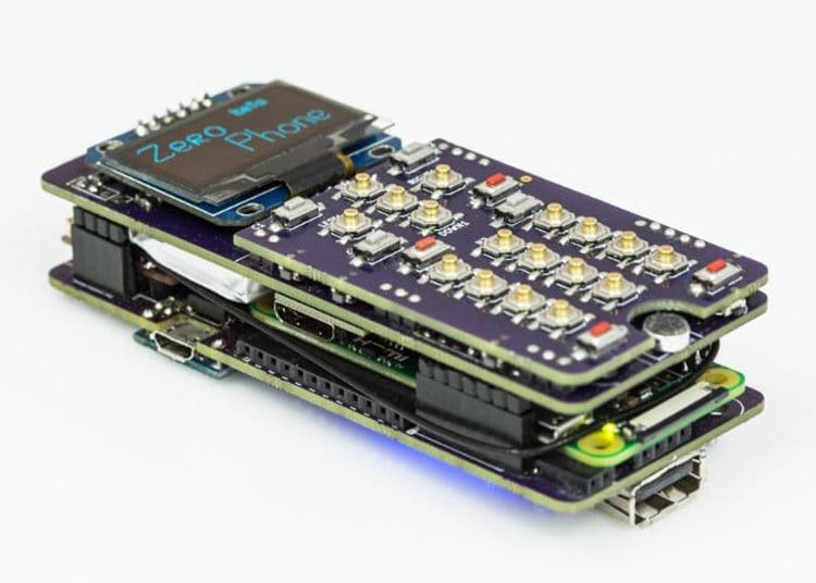 """ZeroPhone: проект смартфона на основе мини-компьютера Raspberry Pi Zero"""""""