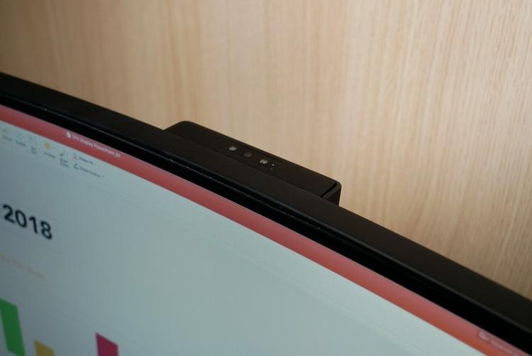 """Гигантский монитор Philips 499P9H имеет соотношение сторон 32:9"""""""