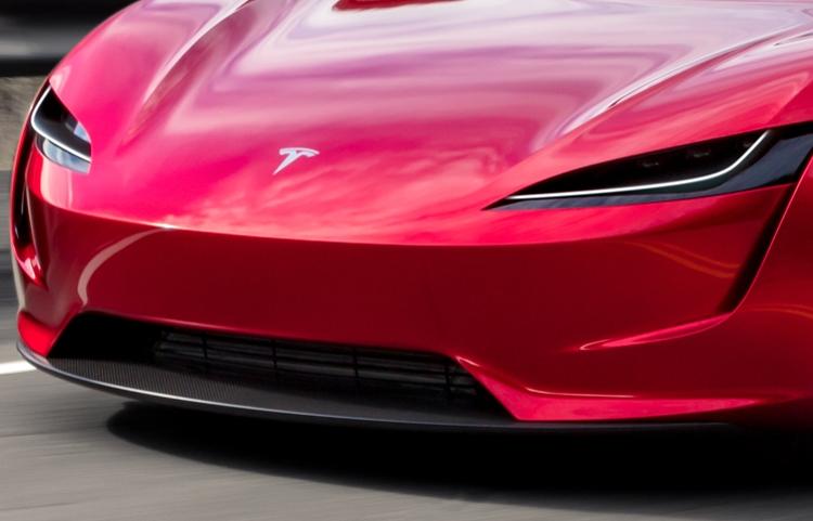 """Фото дня: Tesla Roadster демонстрирует стремительный облик"""""""