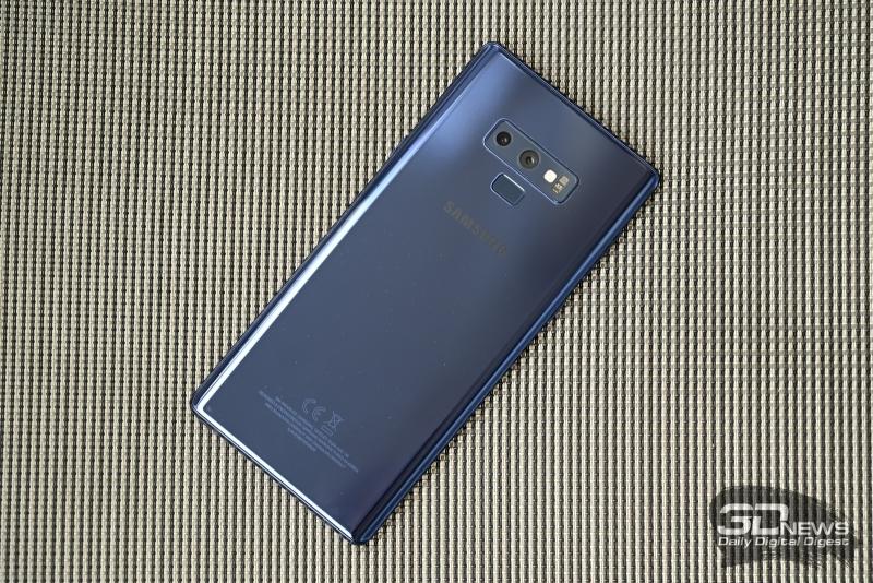 Samsung Galaxy Note9, задняя панель: два объектива основной камеры, двойная светодиодная вспышка, датчик измерения пульса