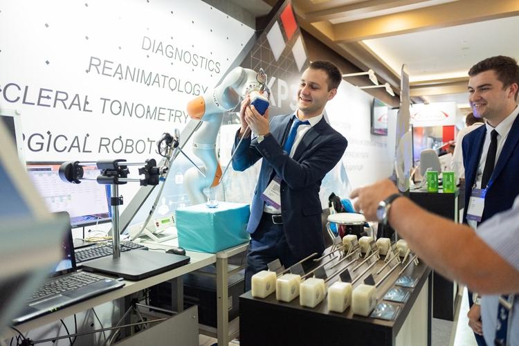 """Российский робот-хирург наделён четырьмя «руками»"""""""