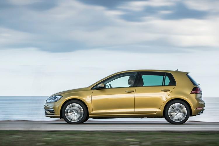 """Volkswagen Golf вернулся на российский рынок по цене от 1,4 млн рублей"""""""