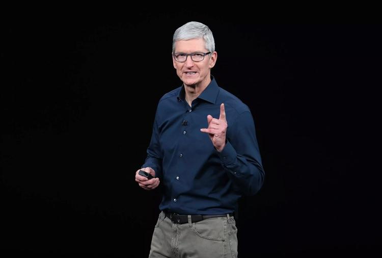 """Тим Кук объяснил высокую стоимость iPhone XS и XS Max"""""""