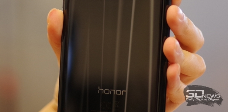 """Honor оснастит новый смартфон экраном HD+ с вырезом"""""""