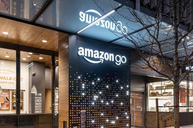 """Amazon открыла первый магазин без кассиров за пределами Сиэтла"""""""