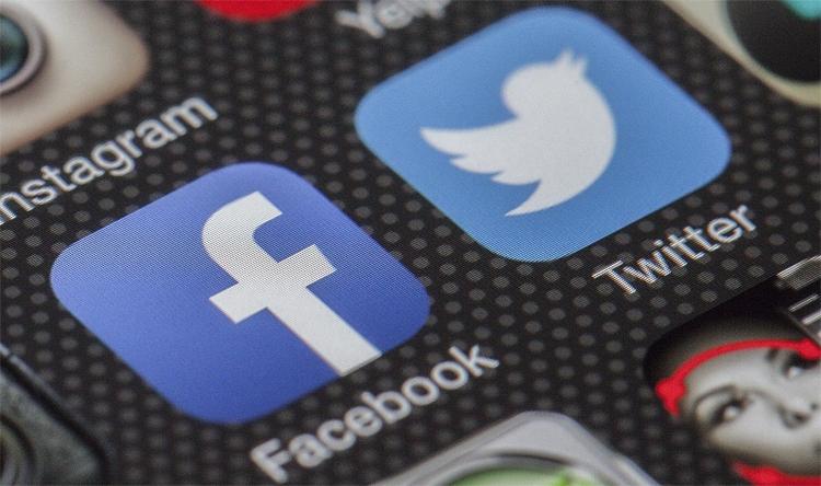 """Роскомнадзор проверит Twitter и Facebook до конца года"""""""