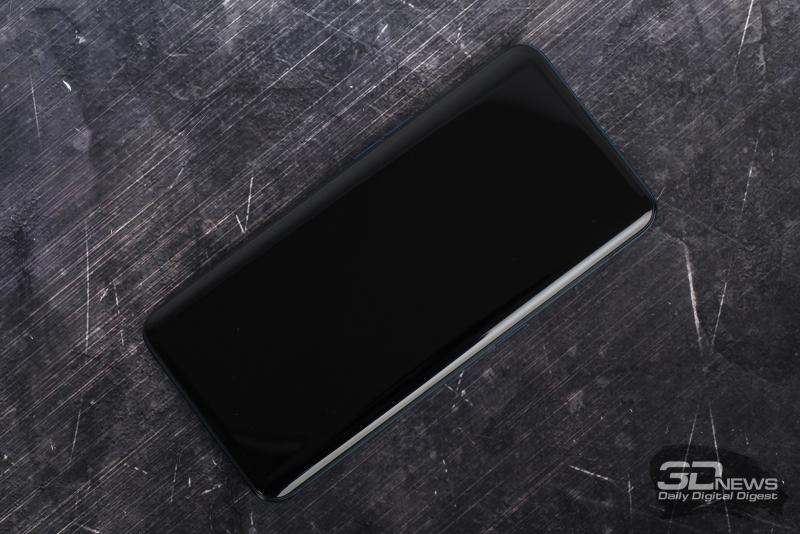 OPPO Find X, лицевая панель: только тоненькая прорезь динамика у верхней кромки