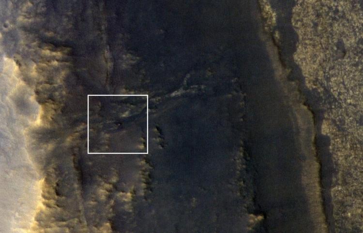 """Марсоход Opportunity сфотографировали с орбиты, но связи нет"""""""